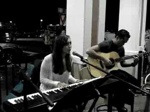 Carolyn Delia (видео)