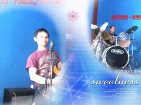 Flora Band - Kita Masih Saling Cinta (KMSC)