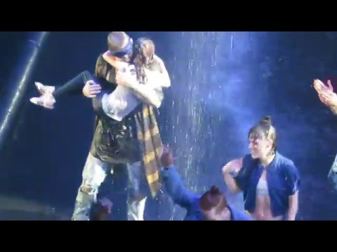 Video sorry - justin bieber dancing with his sister toronto download in MP3, 3GP, MP4, WEBM, AVI, FLV January 2017