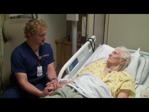 un gesto d'amore di un infermiere, che vi commuoverà