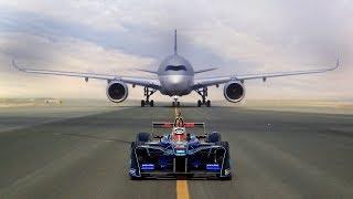 Video ABB FIA Formula E race car vs Qatar Airways' Airbus A350 and Boeing 787 Dreamliner. Who will win? MP3, 3GP, MP4, WEBM, AVI, FLV Maret 2019