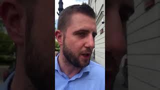 """Dziennikarz TVP info do Rafała Trzaskowskiego po konferencji prasowej """"Nie jest Pan warty rozmowy""""."""