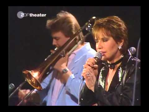 Video Astrud Gilberto - ZDF Jazz Club - 1988 download in MP3, 3GP, MP4, WEBM, AVI, FLV January 2017