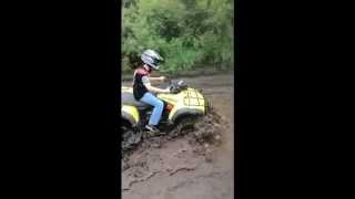 8. 2004 Honda Rubicon foreman TRX 500 w/ 25� Interco Swamp Lite tires mudding part 1