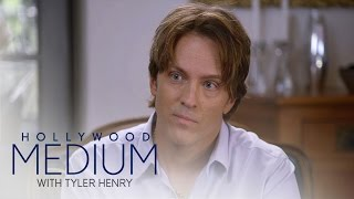 Video Tyler Henry Connects Larry Birkhead to Anna Nicole Smith | Hollywood Medium with Tyler Henry | E! MP3, 3GP, MP4, WEBM, AVI, FLV Juni 2018