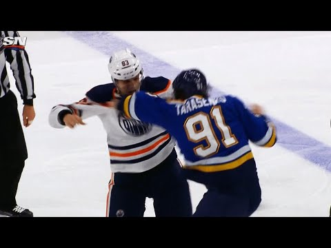 Video: Tarasenko trades punches with Benning after attempted hit