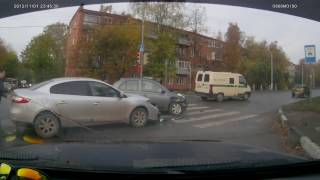 Serpukhov Russia  city images : Viral Video UK: T-Bone crash in Serpukhov, Russia