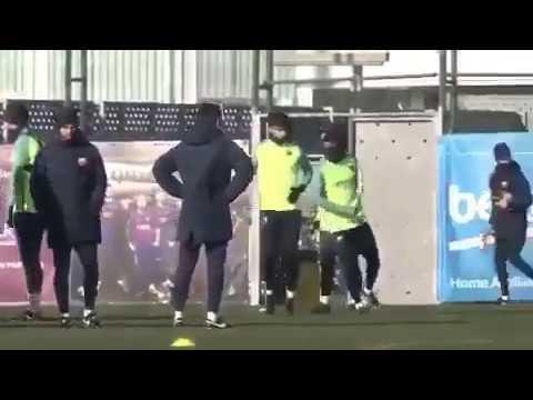 Povero Piqué: Neymar e Suarez lo mettono al tappeto!