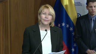 A ex-procuradora-geral Luisa Ortega desembarcou nesta sexta-feira na Colômbia depois de escapar da Venezuela, onde era perseguida pelo governo de Nicolas Maduro. Ela fez uma denúncia ligando o presidente ao escândalo de corrupção global da Odebrecht.