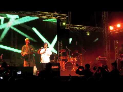 """suffri"" Nneka & Mehdi Nassouli au festival Gnawa a Essaouira 2013"