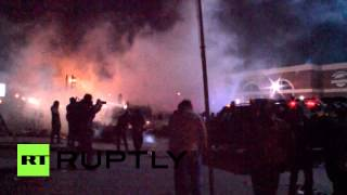 RAW: Chaos descends on Ferguson streets following Michael Brown shooting verdict - YouTube