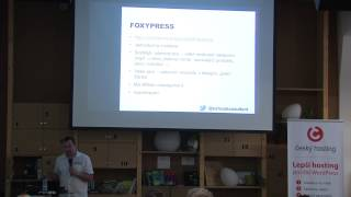 Foto z akcie WordPress konference prednáša Jan Kalianko.