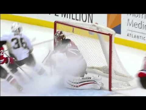 Crosby scores amazing goal@ Devils