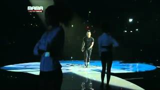 MAMA 2010 - Taeyang I need a girl with Dara 2NE1 [HD]