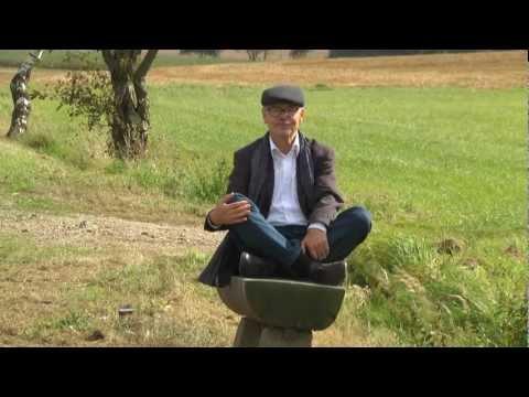 Zum 21. Tag der Sachsen vom 7. - 9.8.2012 in unserer Heimatstadt Freiberg, präsentieren wir Euch ein lustiges Sachsenlied. Viel Vergnügen beim Anschauen! Gesang, Text, und Komposition: Uwe Rath