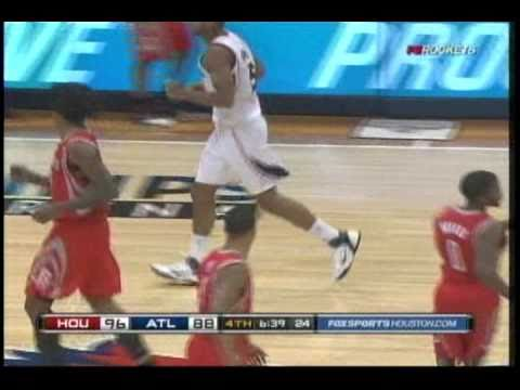 Aaron Brooks to Jordan Hill fast break slam vs. Hawks