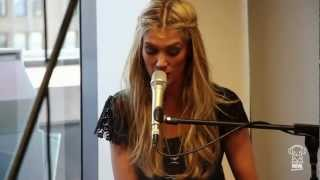 Nova Acoustic Performance: Delta Goodrem - Wish You Were Here (HD)