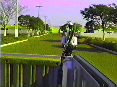 marcelinho do moto taxi empinando em andira