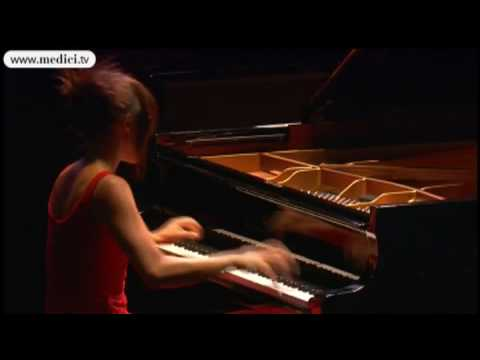 wang - Watch another Yuja Wang concert here: http://www.medici.tv/#!/yuja-wang-schumann-scriabin-prokofiev Stravinsky : Petrushka Yuja Wang, piano Excerpt from a li...