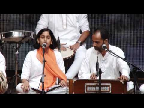 Bhajan by Chinmaya Fine Arts teams Kharghar