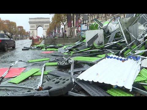 «Κίτρινα γιλέκα»: Εικόνα καταστροφής στο Παρίσι