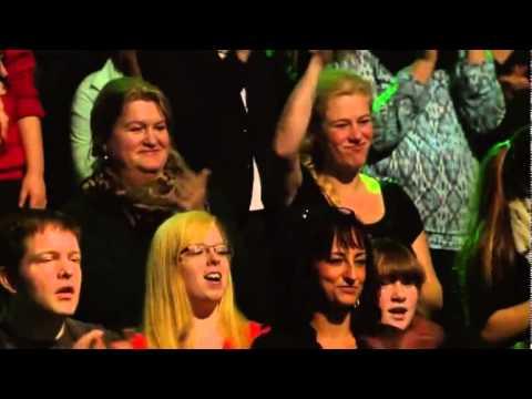 Porota z Hlasu Německa zůstala v šoku, když zjistila, kdo vlastně zpívá známý song od Lady Gagy!