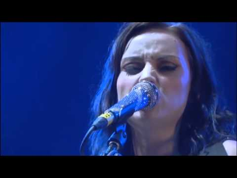 Tekst piosenki Amy MacDonald - Born to Run po polsku