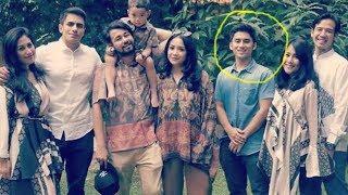 Video Foto Lebaran Raffi Gigi, Sosok Ganteng Ini Justru Curi Perhatian MP3, 3GP, MP4, WEBM, AVI, FLV Juni 2018