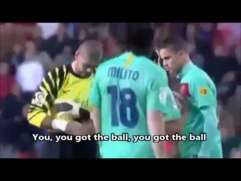 Víctor Valdés And Macherano Try To Speak English To Afellay