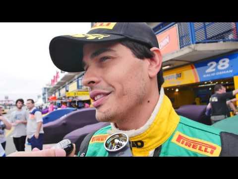 Marcos Gomes pole em Curitiba