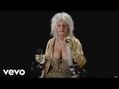 """Katy Perry - Goldie The Dancer: The Unseen Footage From Katy Perry's """"Birthday"""""""