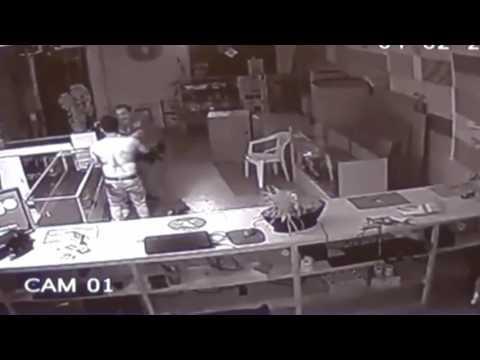 LEGENDARY Pistol Whip Knockout by Florida Police Officer!