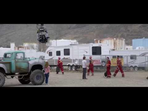 Monster Trucks (Featurette 'Creating Monster Trucks')
