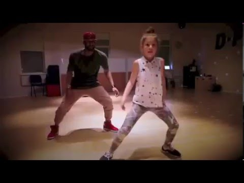 AWESOME! 10-year old little girl kills Dancehall choreography while dancing on Vybz Kartel music!