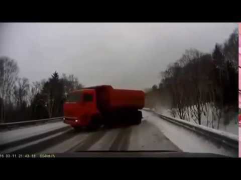 Gacie do wymiany! Jedziesz sobie na spokojnie, a tu gość nak*rwia drift ciężarówką!