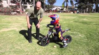 Video Kid Riding Oset 12.5 Electric Trials Bike MP3, 3GP, MP4, WEBM, AVI, FLV Mei 2017
