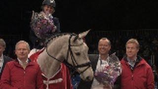 Det gik forrygende for Cambodia, Louise Søgård og Henrik Hansen til finalerne for Unghestechampionatet Spirngning 2013.