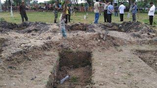 Video Keluarga Tolak Pemakaman Puji Kuswati & Dita Oeprianto MP3, 3GP, MP4, WEBM, AVI, FLV Mei 2018