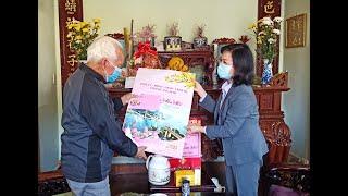 Phó Chủ tịch Thường trực HĐND tỉnh Trịnh Thị Minh Thanh thăm, tặng quà Tết các đối tượng chính sách tại thành phố Uông Bí