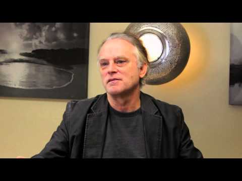 dourif - HAIRS to the SILVER SCREEN Celebrities speak out on hair restoration. Academy Award nominee and multiple award winning actor Brad Dourif shares his exciting ...