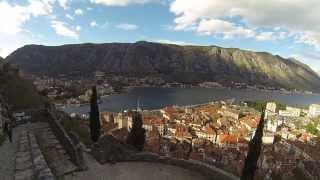 Subir hasta lo alto del castillo de Kotor
