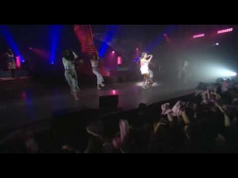 Alizée - Youpidou (Live - En Concert 2004) (видео)