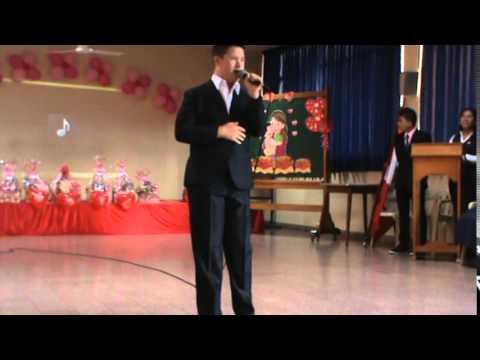 Watch videoSíndrome de Down: Mi Fernandito en su actuación...