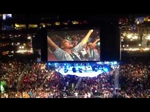 Tasha Cobbs singing at TD Jakes Women Thou Art Loosed 2012