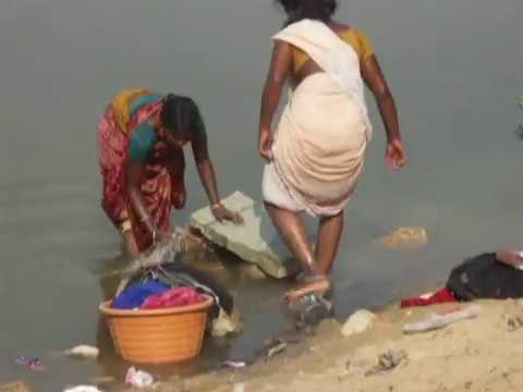 India Women Wash Clothes