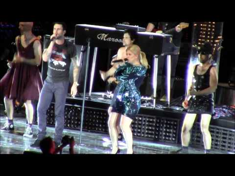 Kelly Clarkson is Funny! 4