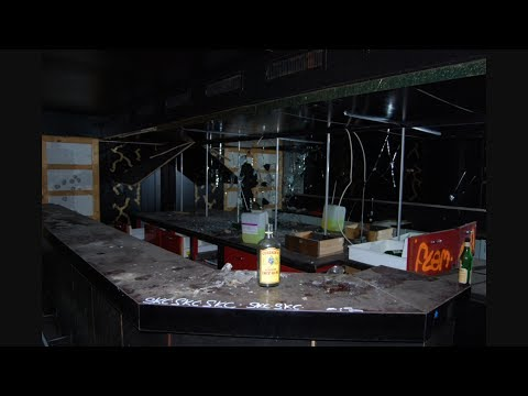 Vlog #3: Exploring An Abandoned Bar W/Owen Middler & Xander Campbell