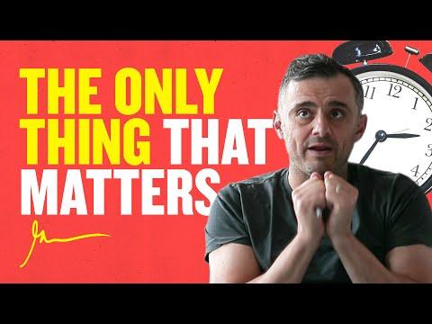 Do You Wake Up Happy Every Day? | DailyVee 567