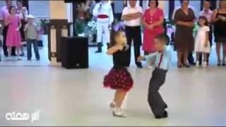 Video Cute kids dancing at a wedding MP3, 3GP, MP4, WEBM, AVI, FLV Maret 2018