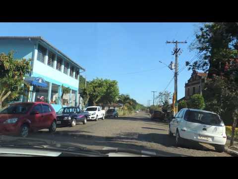 Dando um passeio de carro em Travesseiro - RS